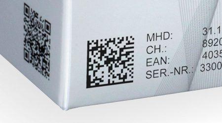 petit code data matrix sur une boîte pliante